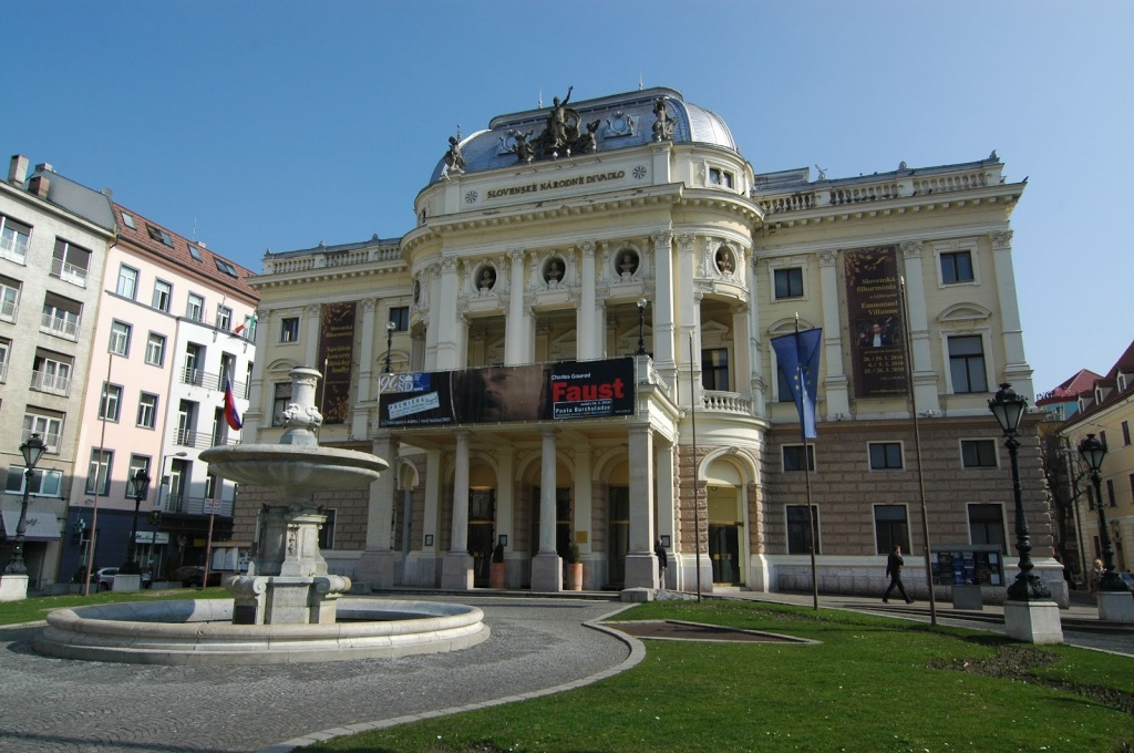 Comenius-BA - slovak national theatre.JPG